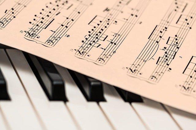 『パリに見出されたピアニスト(Au bout des doigts)』映画の感想、レビュー、あらすじ、ネタバレ